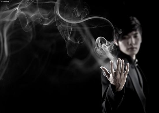 yu-ho-jin-the-manipulator-smoke-resized